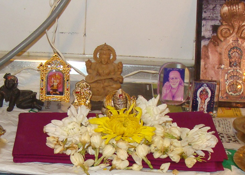 size of idols in pooja room